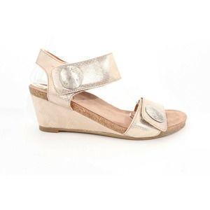 Taos Carousel Sandals Gold 40 ()6238